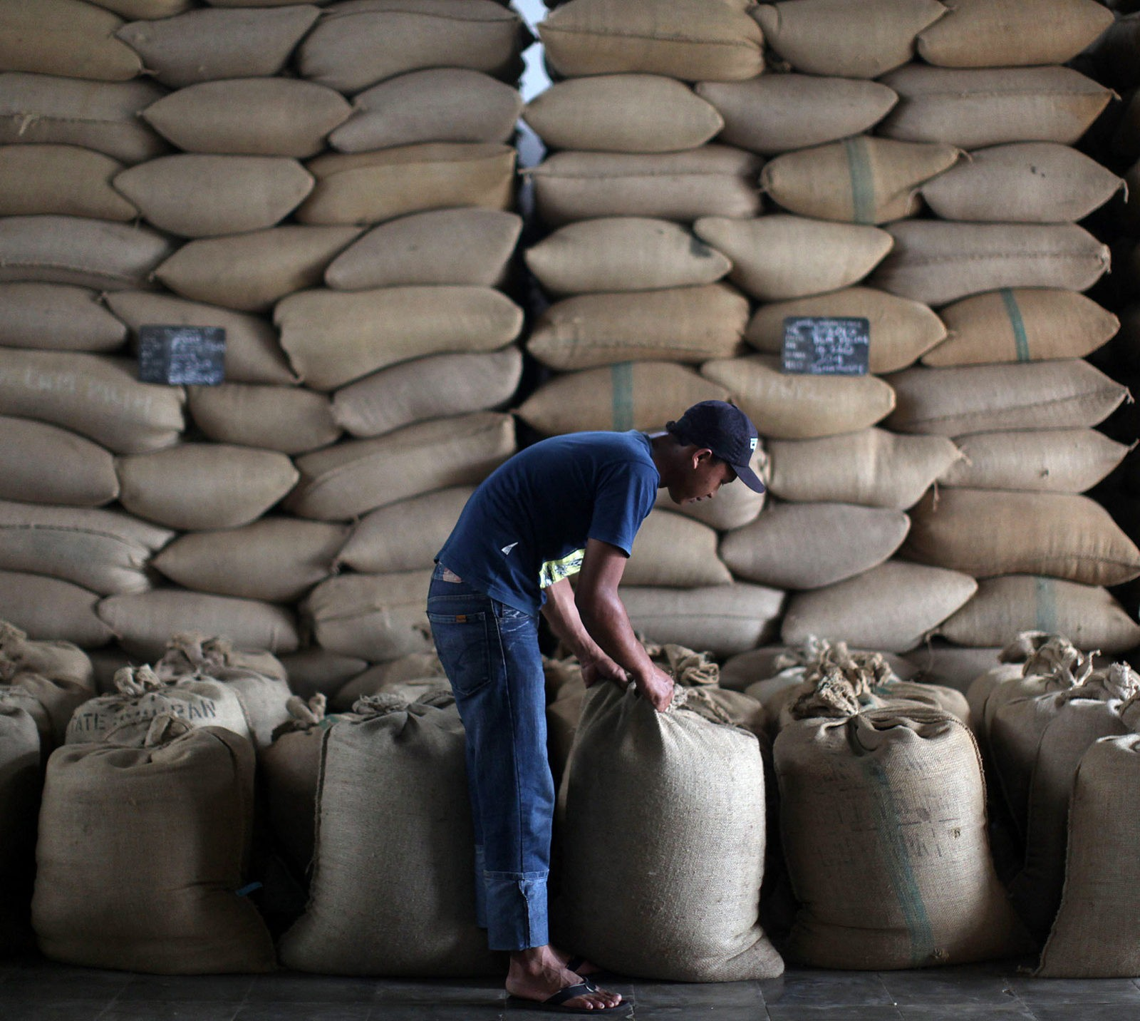 exporting coffee The top coffee producing countries on the planet the 10 nations who produce and export the most coffee per year.